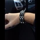 Thumb spike bracelet