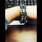 Thumb bracelet