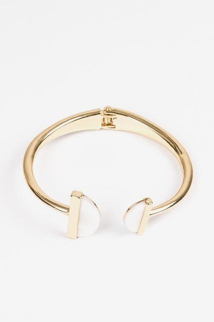 Shell Hinge T Bracelet