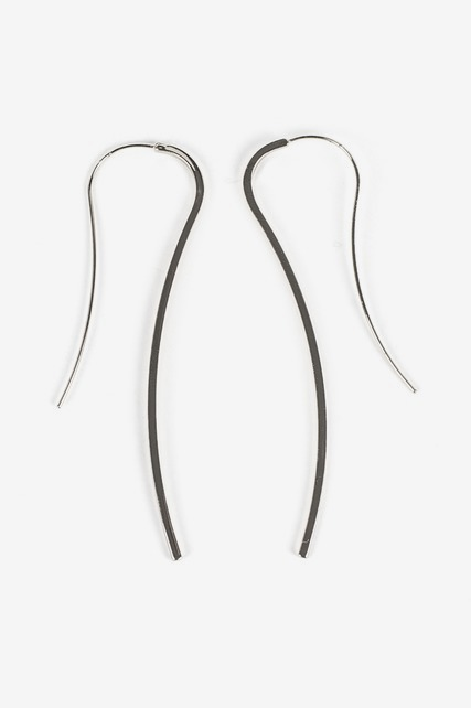 Curved Bar Earring