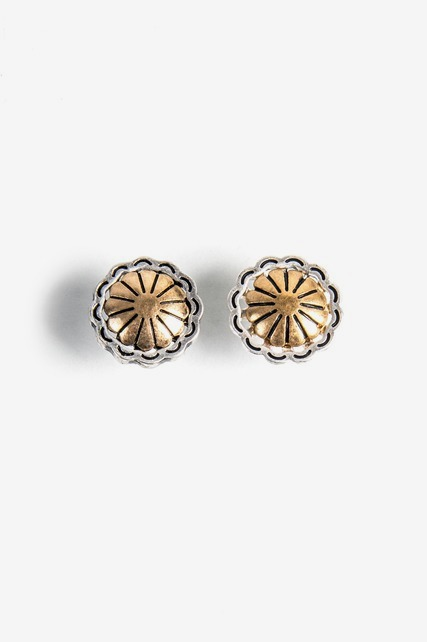 Small Scalloped Circle Stud