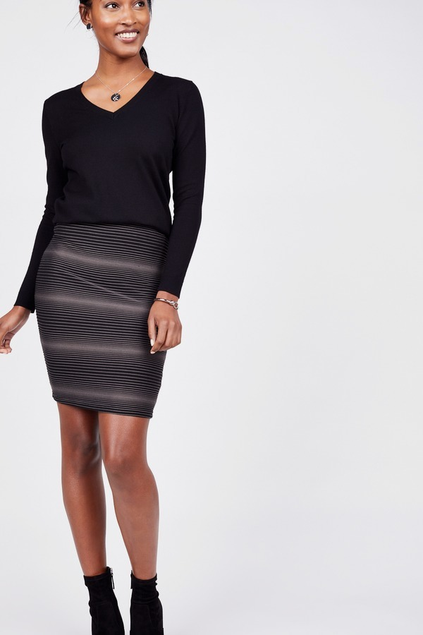 Fitted Textured Knit Skirt
